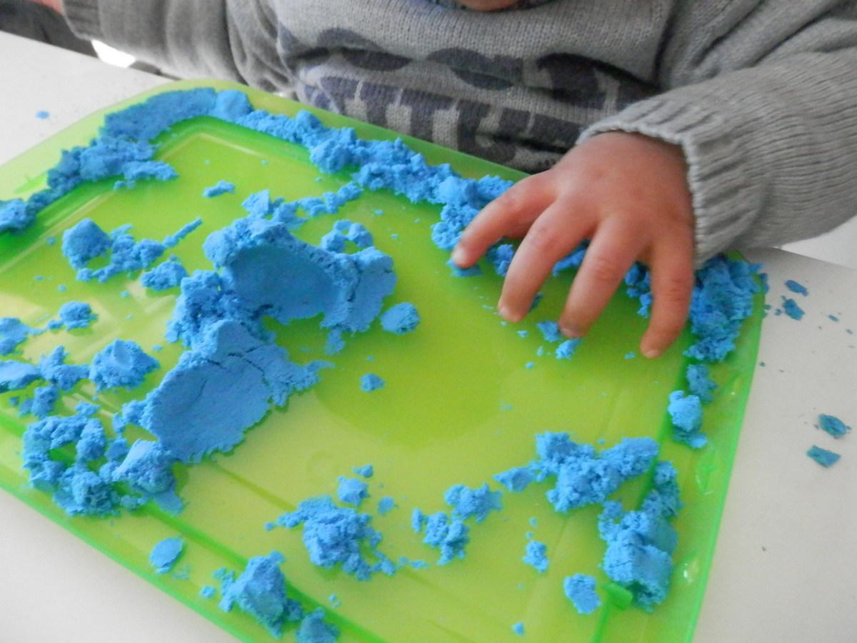 Fabrication du sable magique bleu